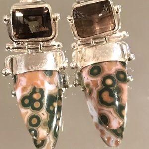 Very attractive pair of vintage silver earrings